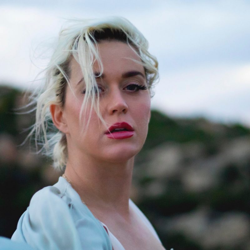 "Katy Perry estrena nueva canción y video musical: ""Daisies"""