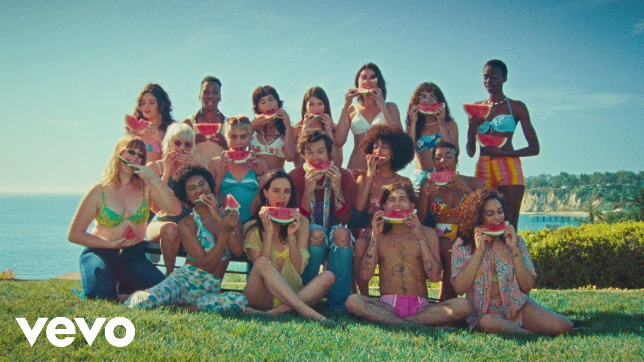 "Harry Styles estrena video de ""Watermelon Sugar"" mostrando el mensaje de la canción"